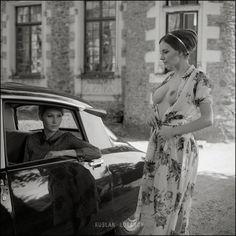 citroen ladies - Page 531 of 1415 Citroen Ds, Psa Peugeot Citroen, Vintage Images, Vintage Cars, Ferrari, Vintage Caravans, People Art, Car Girls, Amazing Cars