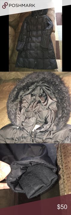 """Authentic michael kors down jacket Good condition authentic michael kors down jacket. This is long in length I'm 5""""4 and it comes just above my knees. The hood is detachable. 2 outside pockets and 2 inside pockets. Sold as is. Price reflects wear. MICHAEL Michael Kors Jackets & Coats Puffers"""