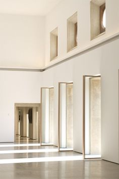 A light filled room like this would be perfect for ceremony or reception. The doors make it even more prefect!
