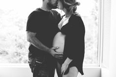 Black and White Maternity At home maternity inspiration taylor cole photography