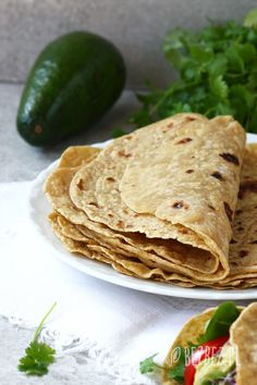 Tortille bezglutenowe 200 Calories, Recipies, Clean Eating, Paleo, Food And Drink, Gluten Free, Bread, Meals, Cooking
