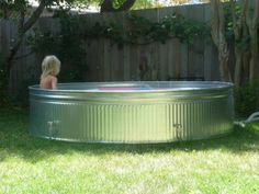 Summer Project: DIY Stock Tank Pool DIY Galvanized Kiddie Pool… much better looking than the plastic ones. Livestock Tank, Piscina Diy, Free Pool, Stock Tank Pool, Diy Pool, Kiddie Pool, In Ground Pools, The Ranch, Outdoor Projects