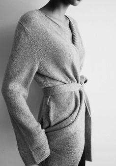 Beautiful texture on this drapey wrap cardigan. Only Cardigan, Wrap Cardigan, Belted Cardigan, Image Coach, Chic Minimalista, Mode Simple, Look Fashion, Womens Fashion, Fashion Design