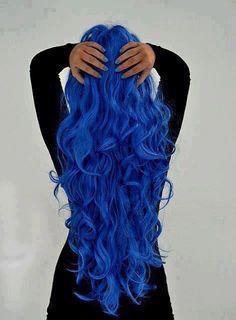 Oh my god! I want blue hair :(