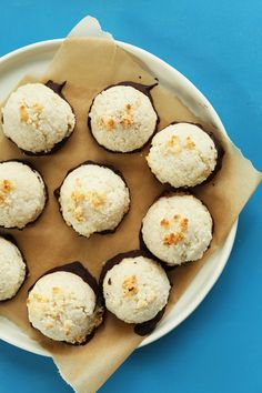 AMAZING 5 Ingredient Coconut Macaroons dipped in Dark Chocolate! #vegan #glutenfree #coconut