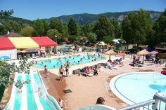 Camping île de la Comtesse. Leuk zwembad met glijbanen, aan meer, maar om in te zwemmen?