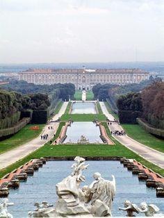 Reggia di Caserta: provvedimenti immediati a cura di Redazione - http://www.vivicasagiove.it/notizie/reggia-caserta-provvedimenti-immediati/
