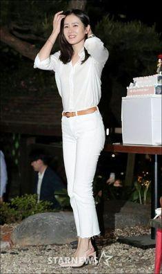 Korea Fashion, Asian Fashion, Korean Girl, Asian Girl, Hyun Bin, Korean Actresses, Celebrity Look, Korean Beauty, Casual Chic