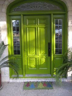 zielone drzwi wejściowe
