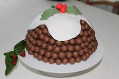 Christmas is a time for bold festive flavours but if fruit and spices isnt your thing then try this malteser christmas pudding cake Christmas Tree Cake, Christmas Sweets, Christmas Cooking, Christmas Ideas, Christmas Goodies, Christmas Stuff, Christmas Time, Christmas 2016, Christmas Decorations