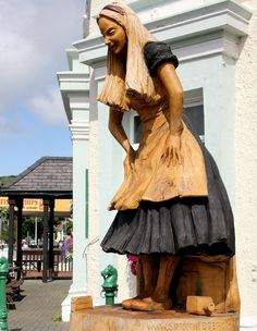♥ Alice in Wonderland Llandudno, Wales Cardiff Wales, Wales Uk, North Wales, Adventures In Wonderland, Alice In Wonderland, Pottery Sculpture, Cymru, Lewis Carroll, Through The Looking Glass