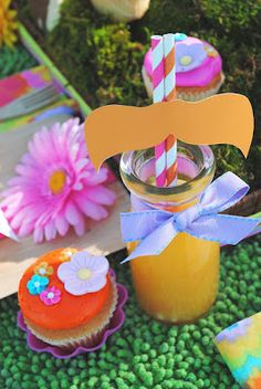 1. Gwynn Wasson Designs (GWD) shares these amazing Lorax party ideas on her website. She has such an incredible eye for detail. Every adult and child in attendance to a Lorax party like this is sure to be blown away.  And not for nothing, how cute is this idea for using straws to give a nod to The Lorax?)