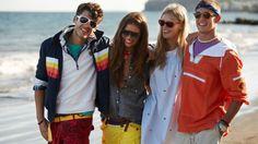 gant -sommer, smil, gruppe, holder om hinanden, afslappet