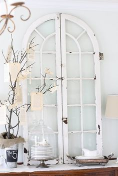 Ideas to Reuse and Recycle Old Wood Windows and Doors for Wall Decorations flea market finds shabby-chicflea market finds shabby-chic Old Wood Windows, Vintage Windows, Arched Windows, Windows And Doors, Antique Windows, Arched Doors, Shaped Windows, Black Windows, Antique Doors