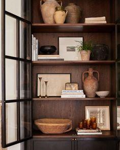 Home Interior Lighting Gorgeous Shelf Styling Ideas.Home Interior Lighting Gorgeous Shelf Styling Ideas Home Interior, Interior Styling, Interior Decorating, Interior Design Vignette, Design Interiors, Interior Lighting, Sweet Home, Home Design, Design Design