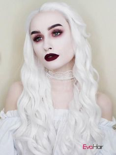Halloween Makeup : White Queen inspired makeup and outfit Ghost Makeup, Witch Makeup, Costume Halloween, Halloween Makeup Looks, Gothic Makeup, Dark Makeup, White Face Makeup, Dark Fantasy Makeup, Costume Makeup