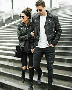 Check out these super adorable and stylish matching couples outfits for you and your partner. From jumpers to slogan T-shirts, there's one for every occasion! Matching Couple Outfits, Matching Couples, Couple Style, Couple Goals, Outfits Hombre, Estilo Rock, Leather Jacket Outfits, Black Leather Jackets, Cooler Look