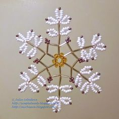 Snowflake of beads and bugles. Free detailed tutorial.