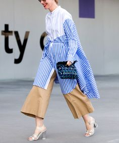 40 Fine Outfit Ideas Street Style To Update Your Dressing outfit ideas street style, 2017 SS Inspiration Fashion Moda, Fashion 2017, Trendy Fashion, Fashion Looks, Fashion Outfits, Womens Fashion, Fashion Trends, Fashion Vintage, Night Outfits