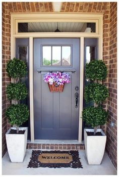 42 Beautiful Spring Porch Decor You Must Have - Home Design and Decor Porch Topiary, Boxwood Topiary, Topiary Plants, Front Door Entrance, Front Door Decor, Front Doors, Front Stoop, Door Entry, Front Entry