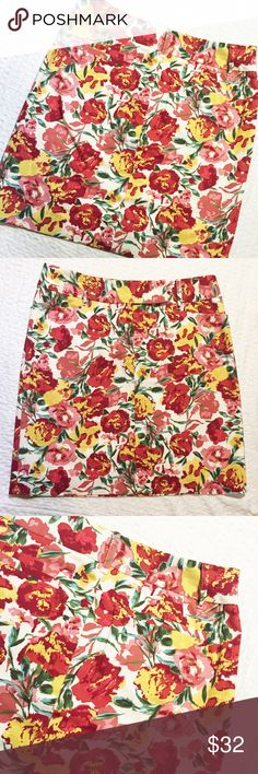"""LOFT Floral Skirt Beautiful summertime skirt from LOFT! Perfect for work or a day out! Lightly lined. 15"""" laying flat at waist, 18"""" in length. Excellent condition! Reasonable offers welcome -- bundle and save! LOFT Skirts"""