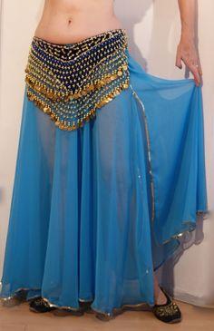 Turquoise blauwe Chiffon rok met golvende zoom, 1 split, volledig afgeboord met…
