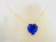 Colar semi joia com coração lapidado de cristal azul Royal folheado com 10 milésimos de ouro 18k. Não contém níquel, não alérgico! Tamanho: 46cm R$ 63,00