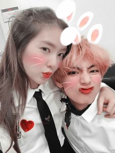 Cute Korean Girl, Asian Girl, Jimin Seulgi, Taehyung, Irene Kim, Kpop Couples, Blackpink And Bts, Korean Couple, Ulzzang Couple