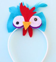 """""""I'm pretty sure there's a lot more to HeiHei than meets the eye.""""Dress up as Moana's silly sidekick HeiHei with this adorable headband! Cute Halloween Makeup, Halloween Headband, Happy Halloween, Halloween Party, Halloween Decorations, Halloween 2018, Moana Birthday Party, Moana Party, Birthday Party Favors"""
