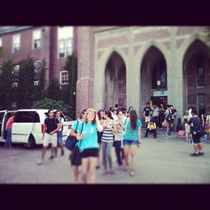 EF Boston students going for some shopping @ Newbury St.