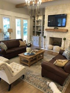 39 Modern Chic Farmhouse Living Room Design Decor Ideas Home - Barended Living Room With Fireplace, Cozy Living Rooms, New Living Room, Home And Living, Modern Living, Dining Rooms, Apartment Living, Decorating Ideas For The Home Living Room, Cozy Apartment
