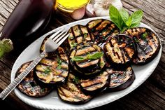 Treatment of Gout - Get Rid of the Disease with all its Side Effects - The Real Healthy Thing Grilled Eggplant, Grilled Zucchini, Gout Recipes, Gout Remedies, Side Effects, Tandoori Chicken, Grilling, Bbq, Spices