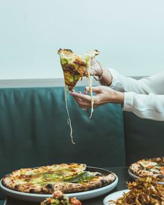 How to Survive the Workplace Eating Environment