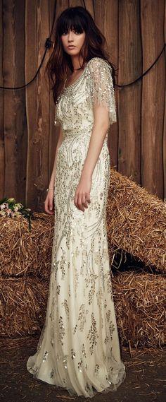 Jenny Packham Spring 2017 gliiter wedding dress - Deer Pearl Flowers / http://www.deerpearlflowers.com/wedding-dress-inspiration/jenny-packham-spring-2017-gliiter-wedding-dress/
