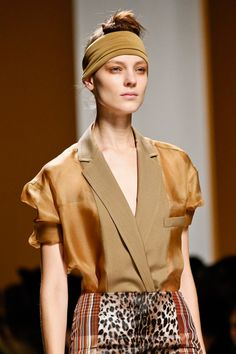 MaxMara Spring 2013 RTW - Review - Collections - Vogue Fall 14, Tailored Jacket, Trends, Models, Max Mara, Vogue, Spring Summer, Beauty, Detail