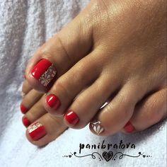 Spring pedicure colors toenails ideas 36 Ideas for 2019 Shellac Pedicure, Pedicure Colors, Pedicure Designs, Toe Nail Designs, Manicure And Pedicure, Pedicure Ideas, Pretty Toe Nails, Cute Toe Nails, Toe Nail Art