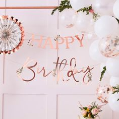 This rose gold happy birthday banner adds a floral hint to your afternoon tea party decorations Happy Birthday Floral, Happy Birthday Bunting, Birthday Garland, Gold Birthday Party, Happy Birthday Balloons, Happy Birthday Parties, Birthday Celebrations, Party Bunting, Bunting Garland
