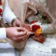 Cute Muslim Couples, Cute Couples Goals, Wedding Couple Poses Photography, Wedding Photography Poses, Beautiful Couple, Beautiful Bride, Bridal Elegance, Bridal Photoshoot, Pakistani Bridal Dresses