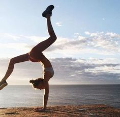 new ideas sport fitness femme photo Yoga Photos, Yoga Pictures, Workout Pictures, Yoga Inspiration, Fitness Inspiration, Outdoor Yoga, Fitness Motivation Pictures, Body Motivation, Funny Gym Motivation