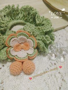 youngladieshome: Scrunchie with Crochet Flower