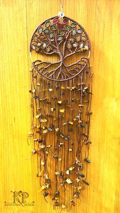 Beautiful tree of life dream catcher! Beautiful tree of life dream catcher! Crochet Dreamcatcher, Macrame Art, Macrame Projects, Macrame Knots, Macrame Wall Hanging Patterns, Macrame Patterns, Dream Catcher Tutorial, Rose Cuttings, Crochet Tree