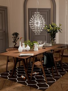 Ikea Stockholm collection dining table, chairs and chandelier Dining Sofa, Dining Room Table Chairs, Modern Dining Room Tables, Dining Room Furniture, Room Chairs, Ikea Chairs, Walnut Dining Table, Ikea Furniture, Dining Rooms
