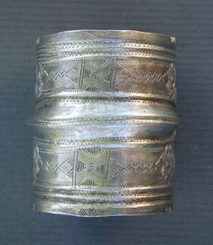Antique silver chased Tuareg bracelet from Kel Ahaggar Tuaregs, in South Algeria. | First half of the 20th century