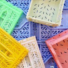 Aykasa - Opbevaring og arrangering på en let og praktisk måde Amsterdam Apartment, Teen Bedroom Designs, Candy Shop, Dream Decor, New Room, Feng Shui, Color Splash, Room Inspiration, Crates