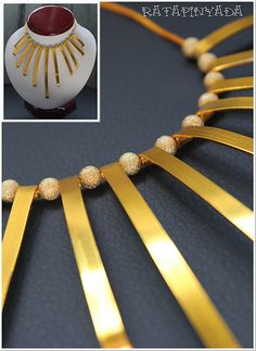 Golden Necklace with Flat Wire/ Collar Dorado con Aluminio Plano