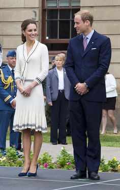 Alexander McQueen dress and Prada shoes - Catherine, Duchess of Cambridge, and Prince William, Duke of Cambridge, visit Province House on July 5 in Charlottetown, Canada.