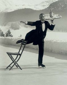 Alfred Eisenstaedt American 18981995 René Breguet Ice Skating Waiter St Moritz 1932 printed later Signed Eisenstaedt in black ink below the image lr inscribed with. Ansel Adams, Vintage Photographs, Vintage Photos, Vintage Cards, Vintage Paper, Couple S'embrassant, Edward Weston, Ellen Von Unwerth, Richard Avedon