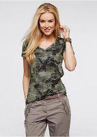 Tricouri basic lejere pentru femei Bluzele cele mai moderne din colecțiile cele mai noi. Feminine, elegante, practice. Propuneri pentru serviciu și întâlnire. Fiecare găsește aici câte ceva pentru sine. Vezi colectia de tricouri femei: http://www.magazinuniversal.net/2014/04/tricouri-basic-lejere-pentru-femei.html