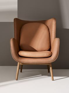 Muebles Norm Architects' 'Enclose' chair for Fogia Ikea Furniture, Plywood Furniture, Home Decor Furniture, Furniture Decor, Bedroom Furniture, Furniture Stores, Rustic Furniture, Furniture Removal, Furniture Movers