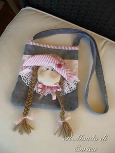One Canvas Doll Carrier / Doll Tote / Taking Along bag / Bed Carrier Fabric Bags, Fabric Dolls, Sewing Crafts, Sewing Projects, Doll Carrier, Denim Crafts, Diy Handbag, Jute Bags, Denim Bag